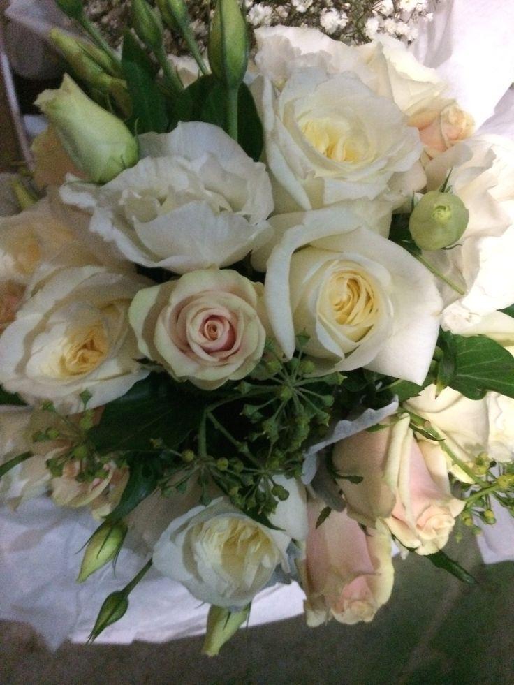 Gorgeous Roses  #Bouquet #Wedding #Styling #weddingbouquets #bridebouquet #floralarrangements #flowerarrangements #flowerdesigns #floraldesigns   http://www.decorit.com.au (2)