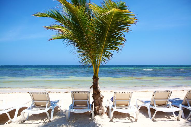 Lounge chairs on the beach by Yana Bukharova on 500px