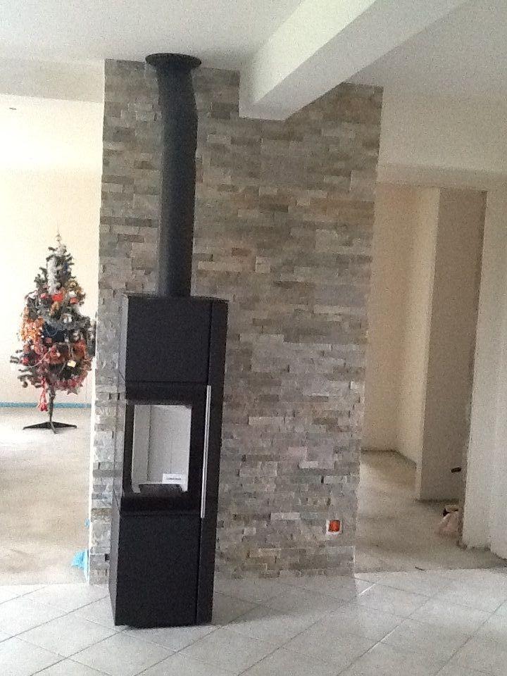25 best poele en pierre ideas on pinterest chemin e en pierre d coration chemin e en pierre. Black Bedroom Furniture Sets. Home Design Ideas