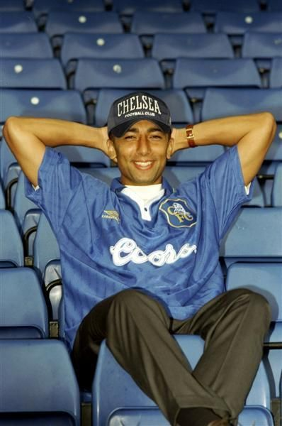 Roberto Di Matteo after signed as chelsea player