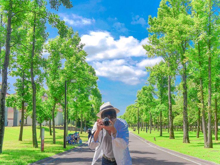 Self Portrait selfmeportraitbluegreenwhitetreeJapanesehatblue skyfashion