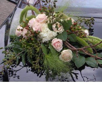 Autoversiering voor uw bruiloft - voorbeelden en prijzen autotoef van bloemen | ART-NIVO bloem & styling