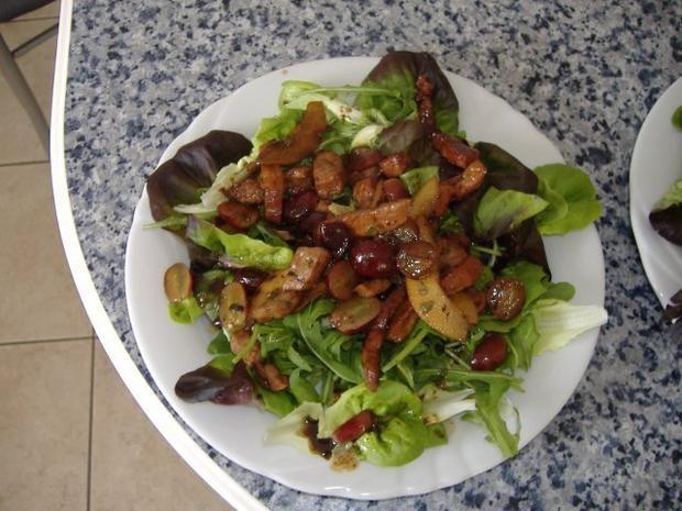 Rezept: Salat mit Kalbsleber,Birnen und Weintrauben