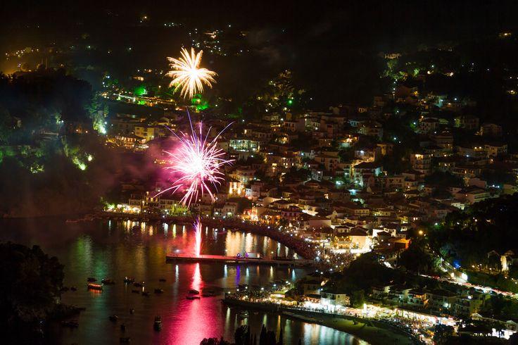 http://bluetravelstories.com/why-fireworks-look-better-in-greece/