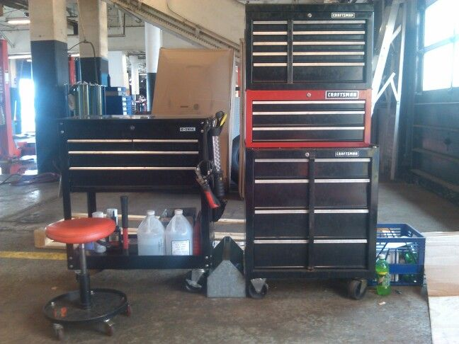us general cart and my 3 craftsman tool boxes