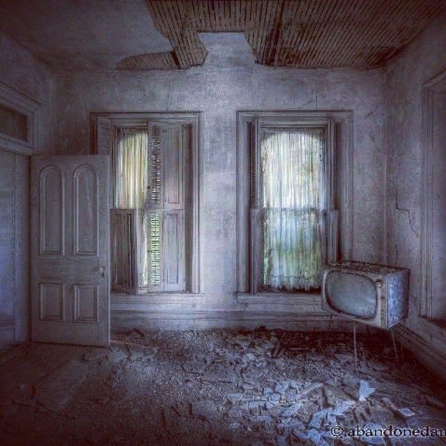 Abandoned Mansion, Abandoned