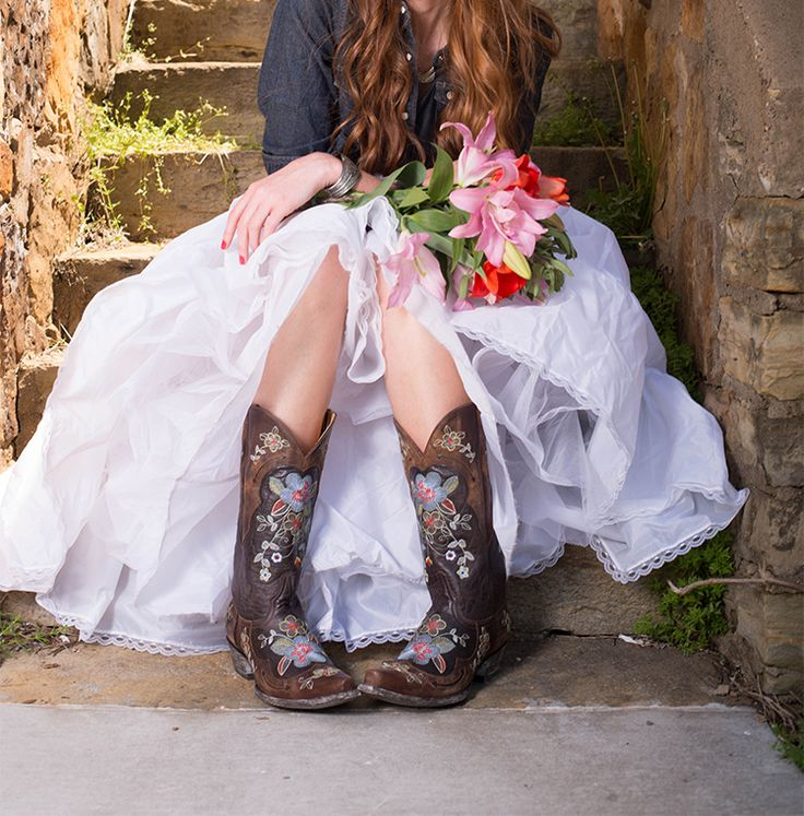 Boots with Dresses? Yes. You. Can. #countryoutfitter #bootswithdresses