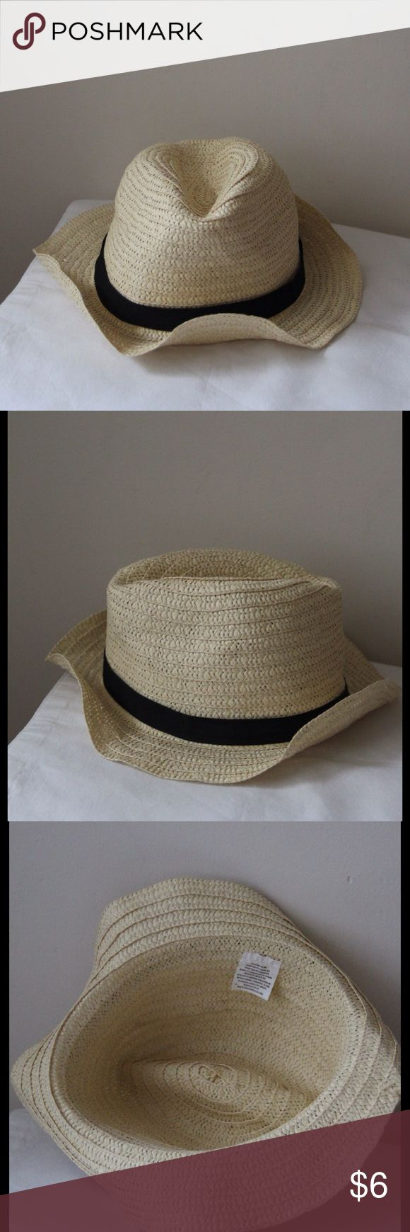 Fedora beach hat Fedora beach hat - like new! - perfect for summer! Accessories Hats