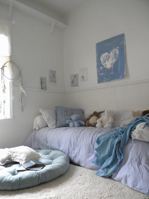 easy, no fuss bedroom, soft blues