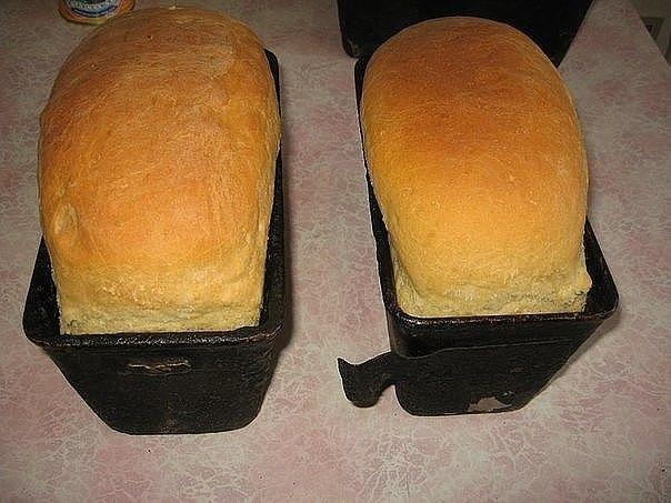 Рецепт хлеба Иногда балую свою семью домашним хлебушком. Решила выставить фото и рецепт. Если кто-то попробует и поблагодарит, мне будет приятно. Думаю, нет ничего вкуснее домашнего хлеба, сделанного своими руками. а вот и рецептик: 1 литр вода кипяченая дрожжи 50 гр., лучше всего сырые. масло растительное 3 ст. ложки сахар 2 ст. ложки соль 2 …
