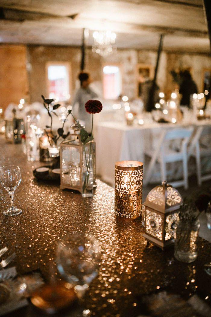 Glitzy gold reception decor | Image by Ariana Tennyson Photography