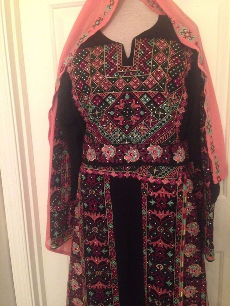Jordanian Palestinian Embroidered Thobe Abaya Caftan Middle Eastern Dress #HandmadeMachinemade #Kaftanthobe