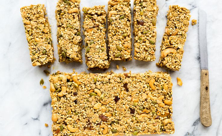 Cashew date granola bars | Natrel