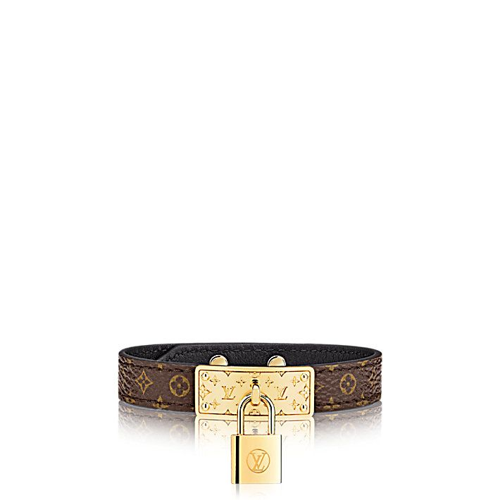 Discover Louis Vuitton Sunbath Flat Mule: This relaxed summer mule contrasts an eye-catching metallic calf leather strap and Monogram canvas insock with an exceptionally comfortable thick rubber sole.