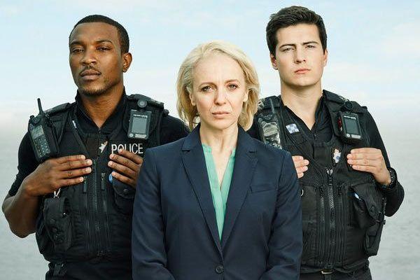 Cuffs - Saison 1 (BBC)