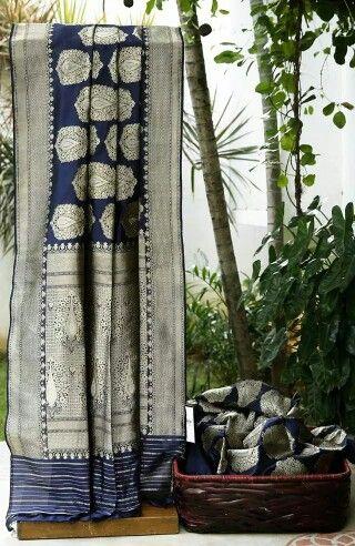 Navy blue textured Banarasi silk