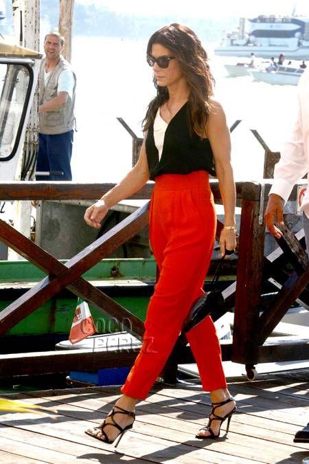 Sandra Bullock's legs are red hot in Venice!