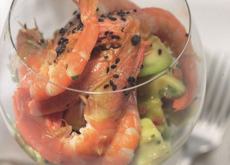 Тридцать лет назад Элис Уотерс открыла в Калифорнии бистро Chez Panisse, где ценности французской кухни дружили с итальянскими и азиатскими мотивами и все это было сопряжено с культом домашней еды. Семейные ценности пополам с гастрономическими и породили калифорнийскую кухню и мировую моду на нее.