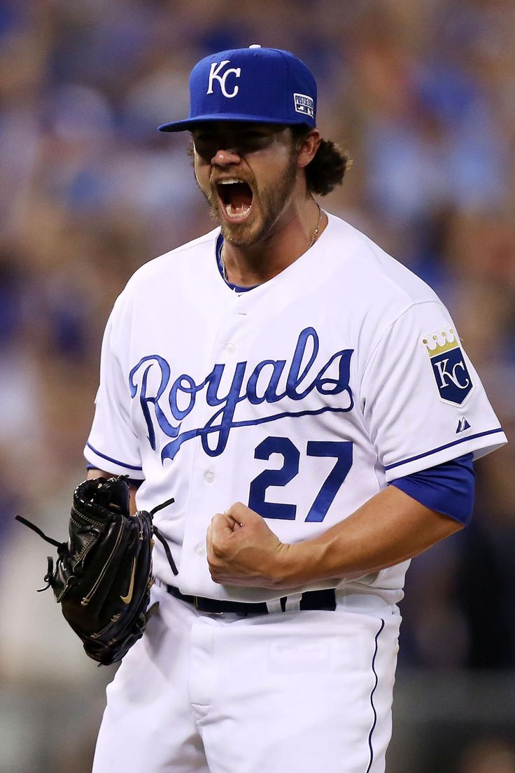 Possibly my new favorite Irish boy......  Finnegan.  Kansas City Royals win the Wildcard Game in 12 innings.  What a game!