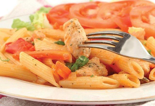 Scampi's met Griekse pasta en tuinkruiden