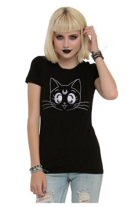 Official Sailor Moon T-Shirt featuring Luna