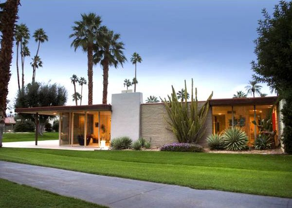 Mid Century Modern Exterior Steel Posts And Different Textures Painted White Bricks