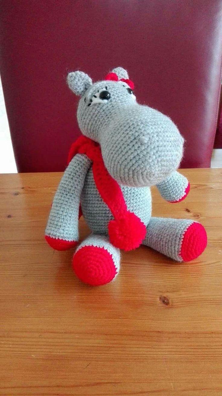Nellie het nijlpaard van Zeeman soft gehaakt. Patroon is van Roosjes waar het roosje het nijlpaard heet.