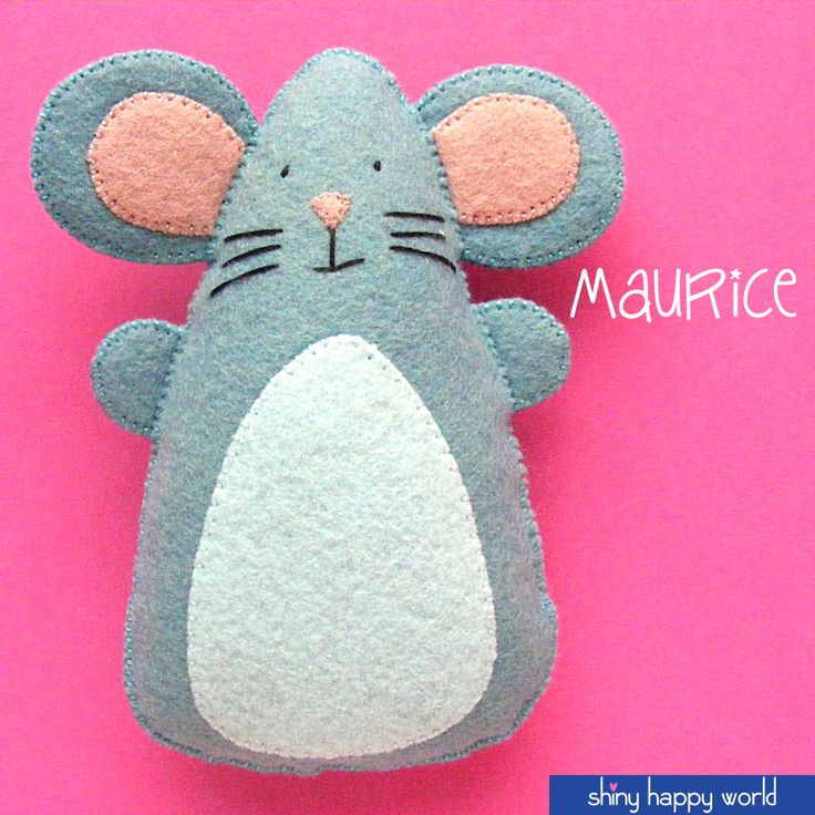 Use this simple felt mouse pattern to make a Christmas tree ornament, a catnip toy, or a stuffed animal friend for your dolls and teddy bears. :-)