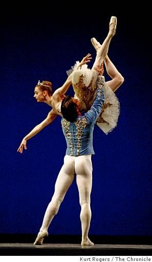 Joan Boada and Maria Kochetkova in Raymonda Pas de Deux. Photo (c) Kurt Rogers