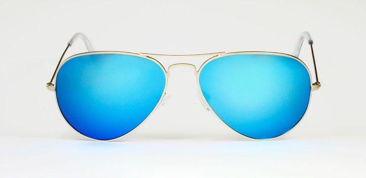 Gafas de Sol #HUGO CONTI 6602/DORADAS/AZUL FLASH  Las Hugo Conti 6602 son un clásico con aires contemporáneos, su diseño inspirado en las Aviator pero con lentes polarizadas en espejo azul.