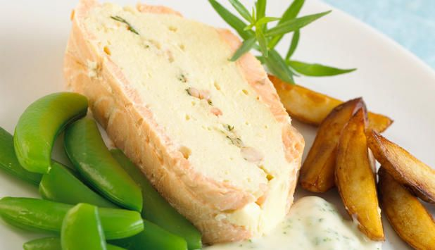 Serveres enten som varm hovedrett med persillesaus eller som kald forrett med remuladesaus. #fisk #oppskrift #middag