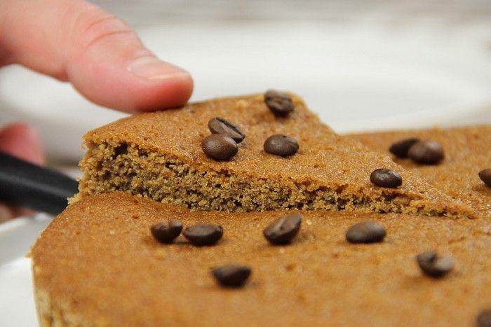 Le gâteau moka est le dessert idéal pour tous ceux qui ne peuvent vivre sans café! En fin de repas, à quatre heures ou lors du petit déjeuner, la «torta
