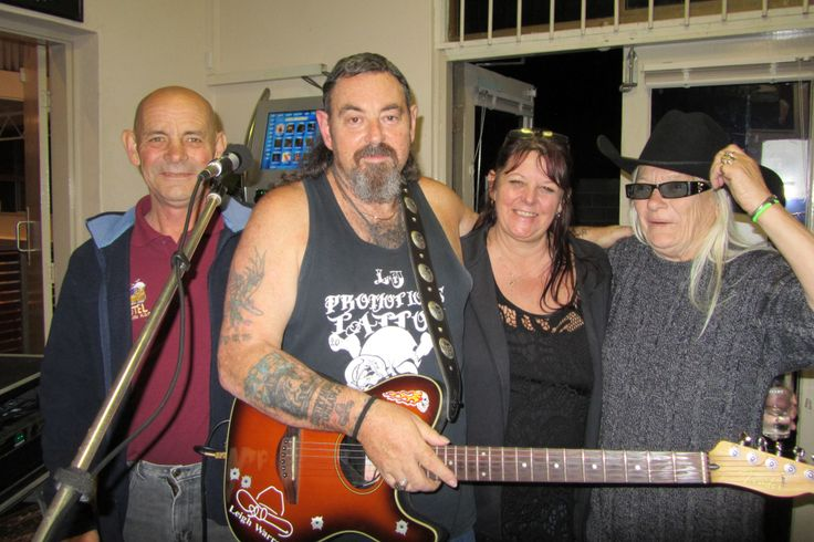 With fans/friends at Shinnys Hotel in Boolaroo after playing a Sunday afternoon show...