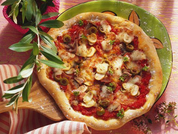 Pizza capricciosa ist ein Rezept mit frischen Zutaten aus der Kategorie Fruchtgemüse. Probieren Sie dieses und weitere Rezepte von EAT SMARTER!