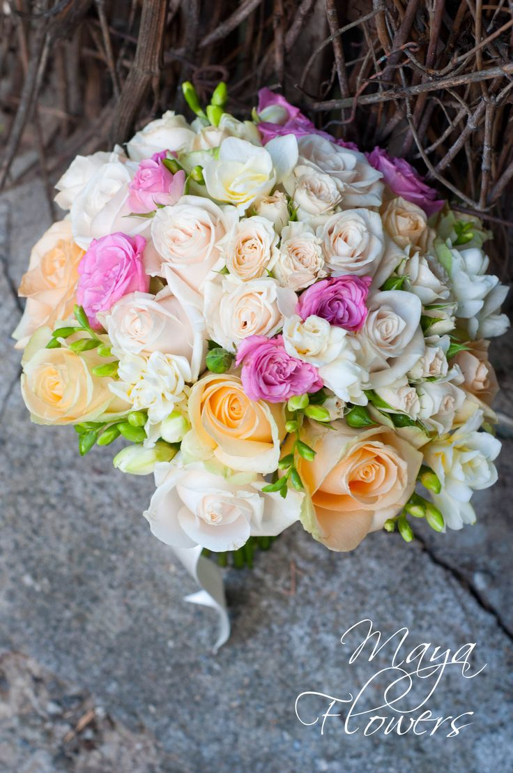 wedding ivory bouquet - buchet mireasa crem roz peach (www.maya-flowers.blogspot.ro)