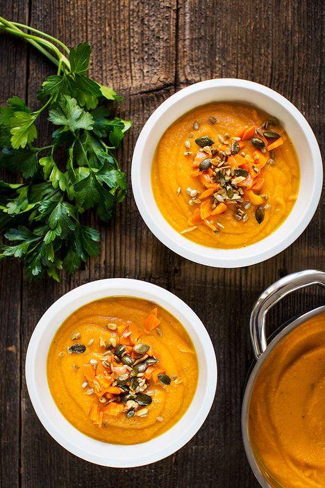Tahle sytá mrkvovo-hrachová polévka je plná živin a vitaminů, a přitom vás vyjde opravdu jen na pár korun; Greta Blumajerová