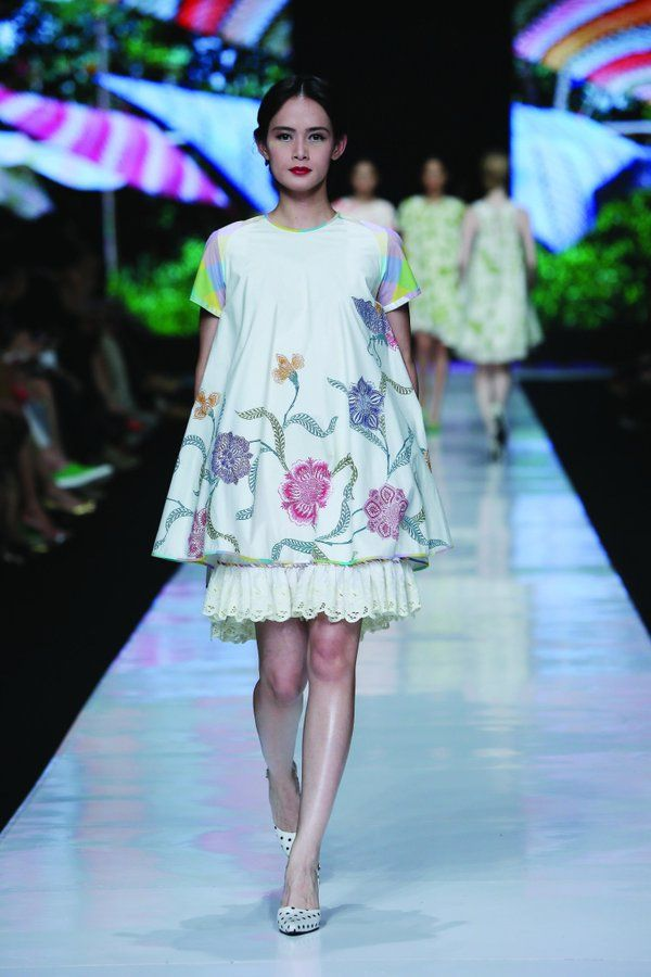 Jakarta fashion Week 2014. Design by Edward hutabarat