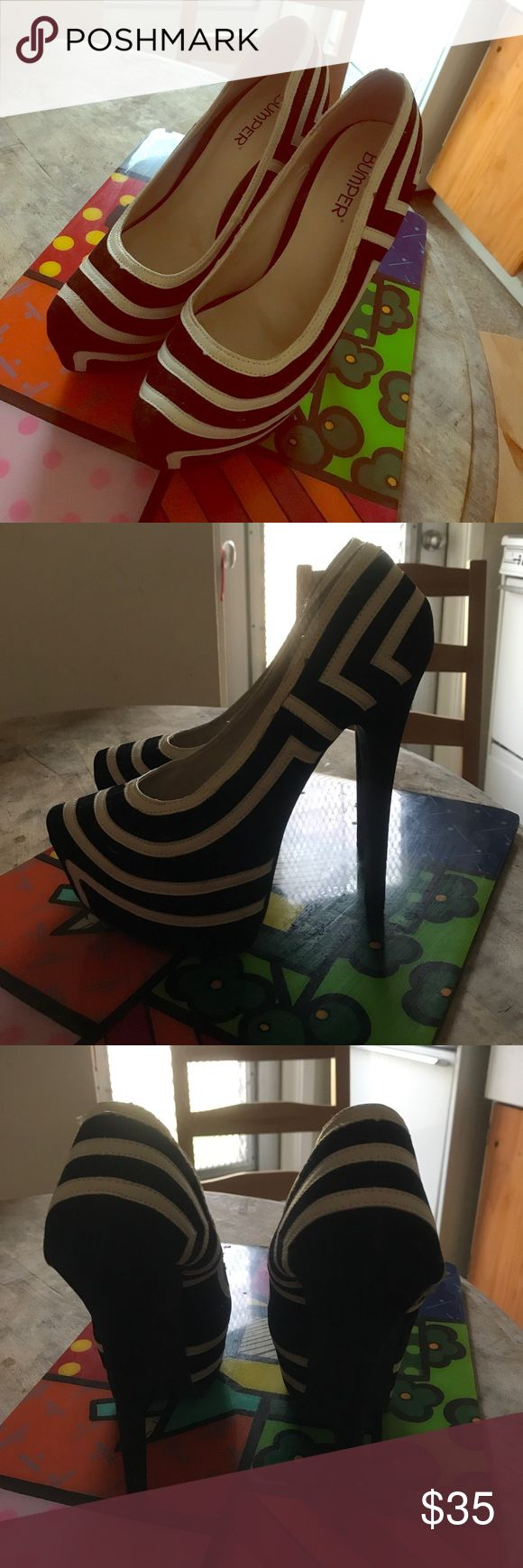 Black and white striped pumps Bumper brand, size 9 comfy Shoes Platforms