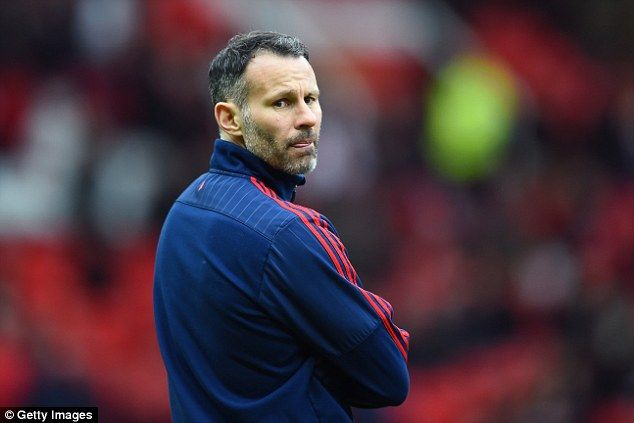 Man United legend Ryan Giggs is being considered for Nottingham Forest job [Mirror]