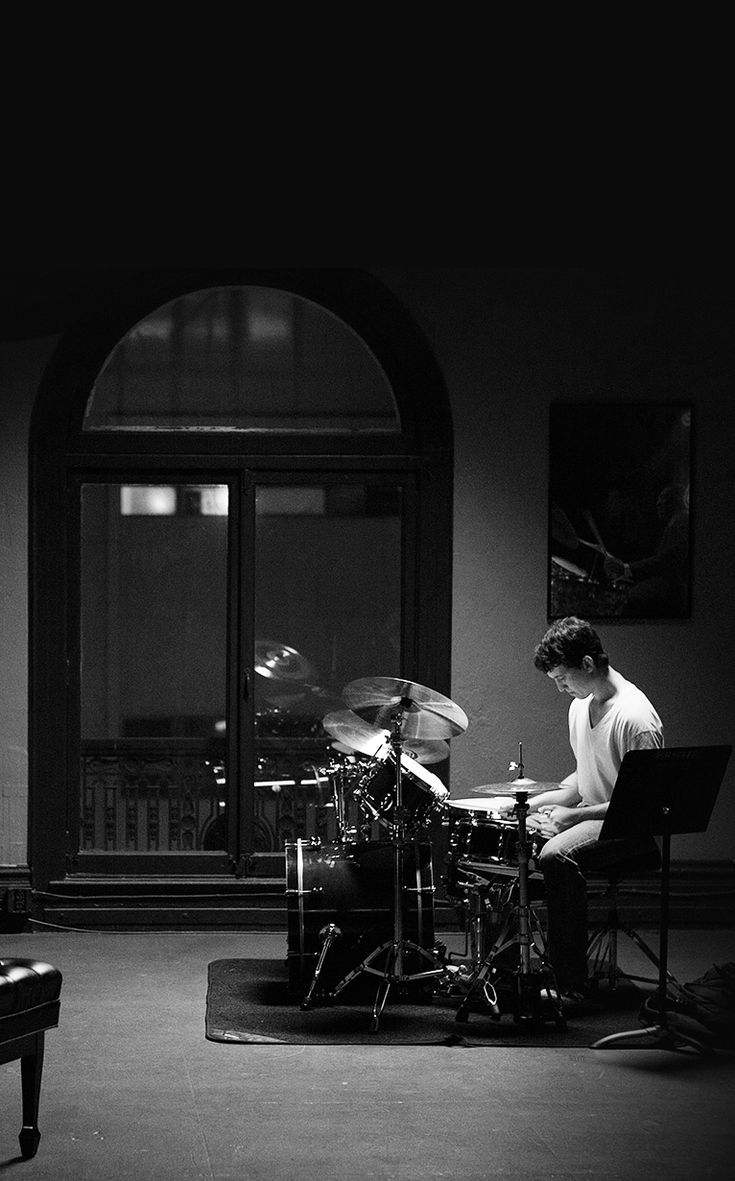 Miles Teller as Andrew in Whiplash (2014)