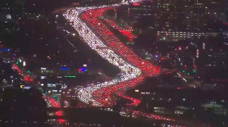 La pesadilla de la Interestatal 405: Un atasco épico o lo normal en Los Ángeles?