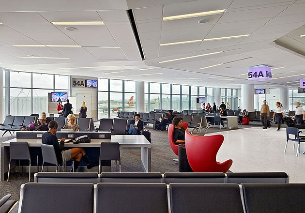 With an emphasis on service, hospitality and comfort, SFO T2 features a post-security Recompose area, a meeters-and-greeters lounge, hotel-inspired seating areas and a range of locally sourced, organic dining options. Gensler
