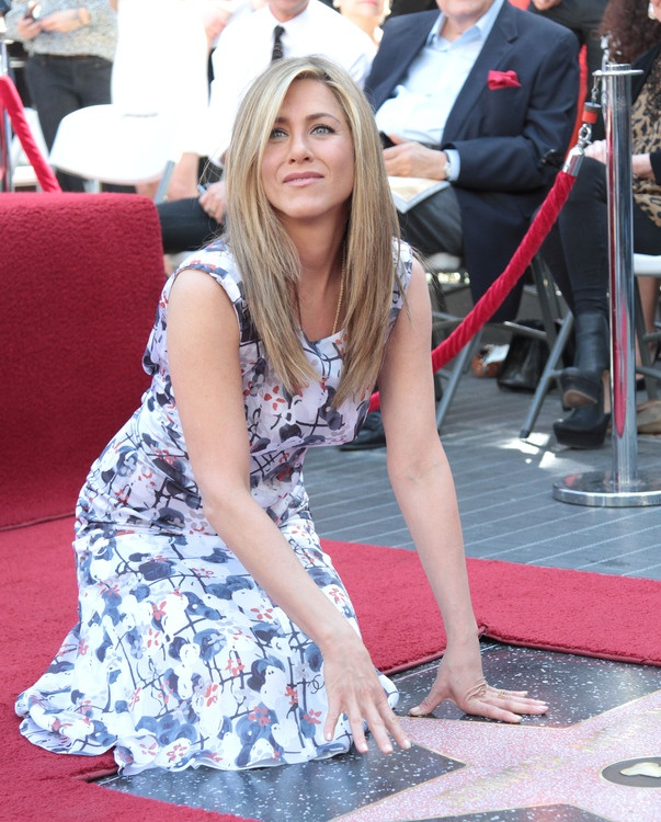 Jennifer Aniston Star on the Walk of Fame, Chanel dress