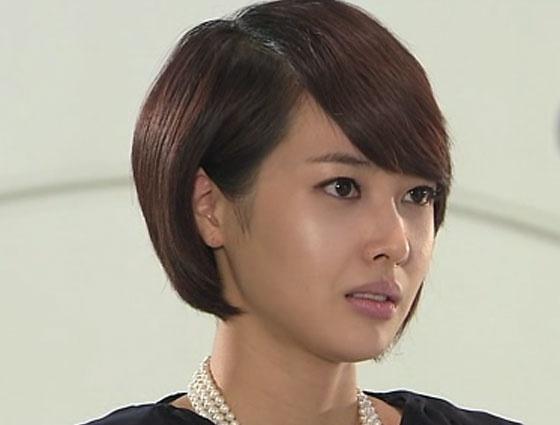 Personal Taste - Wang Ji Hye as Kim In Hee. Evil second lead