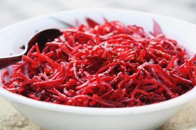 Les 25 meilleures id es de la cat gorie salade de - Comment cuisiner la betterave rouge crue ...