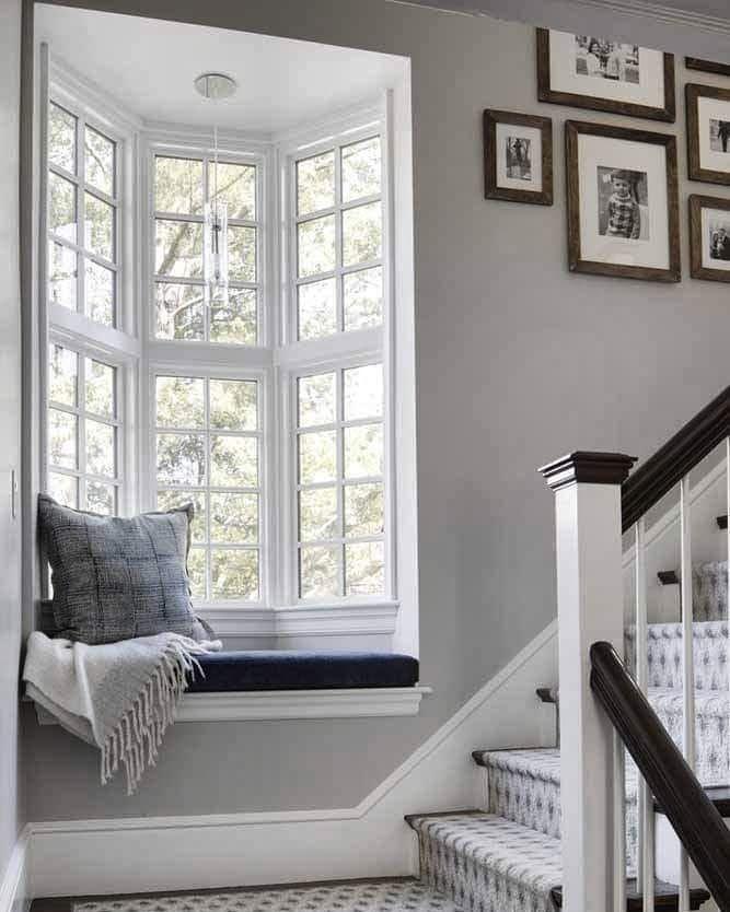фото лестниц в доме с эркером прославилась благодаря