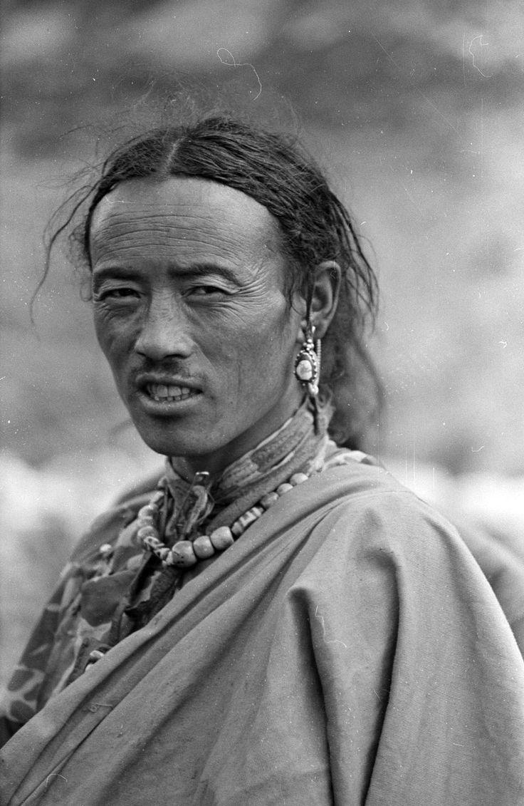 Nepal | Bhotia man. Tsarka, Dolpo district.  1962  | ©SOAS, Nicholas Haimendorf
