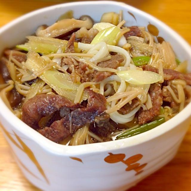 レシピとお料理がひらめくSnapDish - 12件のもぐもぐ - 牛肉と牛蒡のうどん、すき焼き風(母作) by Junya Tanaka