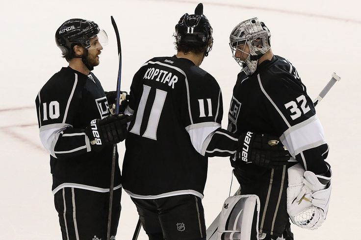 Kings hang on to force Game 7 with 2-1 victory over Ducks  Call it a self-fulfilling prophecy, missed opportunities or just another dramatic turn, but the Ducks couldn't finish off the Kings on Wednesday night, and hockey's freeway series is now going the distance. Riding a signature 21-save performance by goalie Jonathan Quick and goals by Jake...  http://www.latimes.com/sports/kings/la-sp-kings-ducks-20140515-story.html