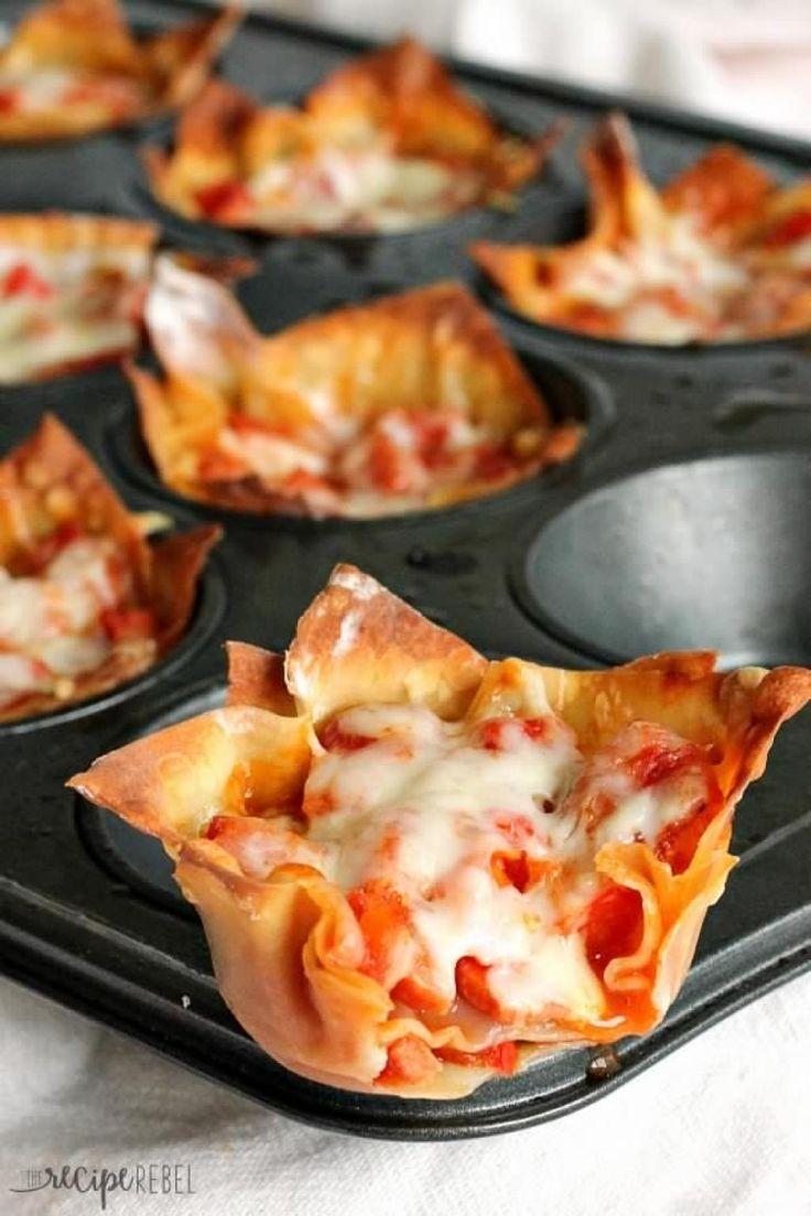 Une bouchée de pizza servie sur une pâte won ton croustillante...HUM - Recettes - Ma Fourchette